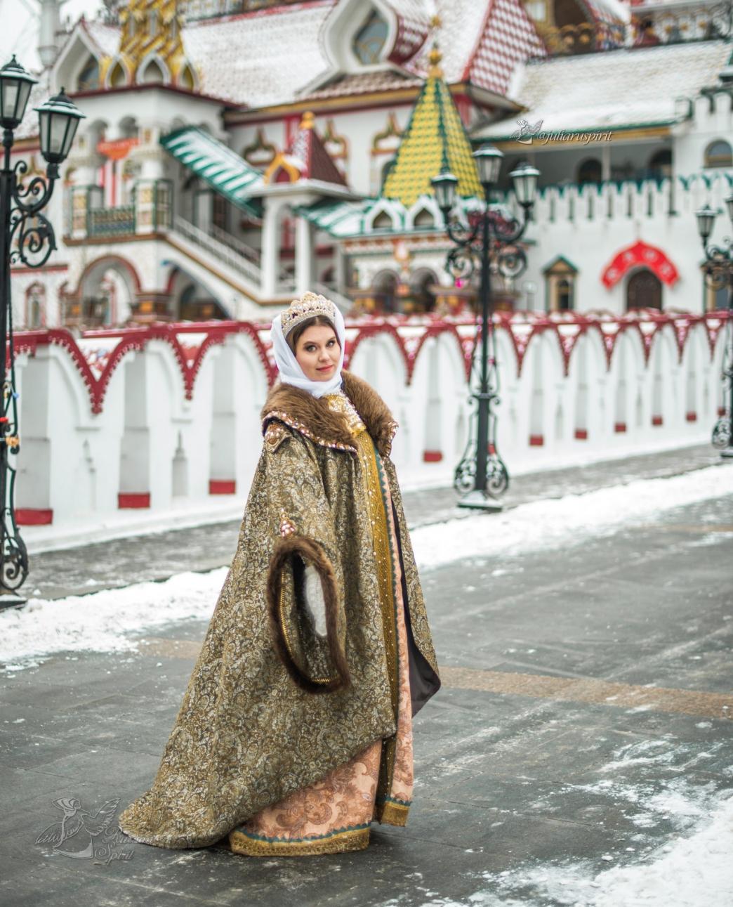 Фотосессия в костюме царевны в измайловском кремле