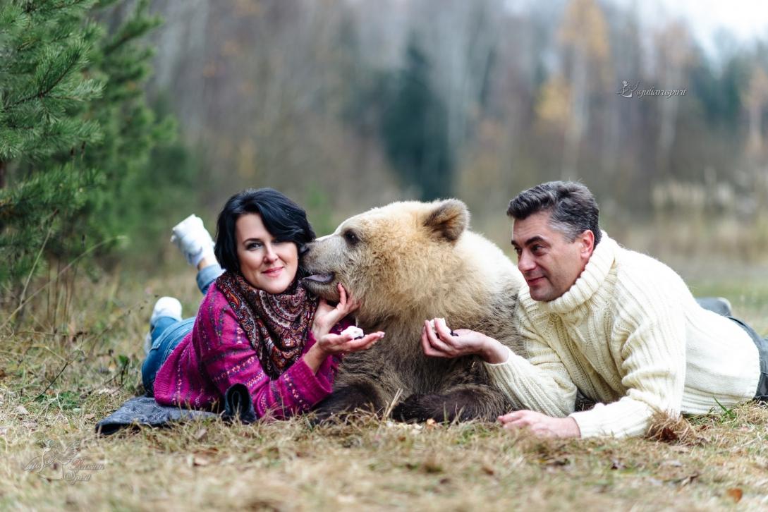 поцелуй медвежонка Саввы