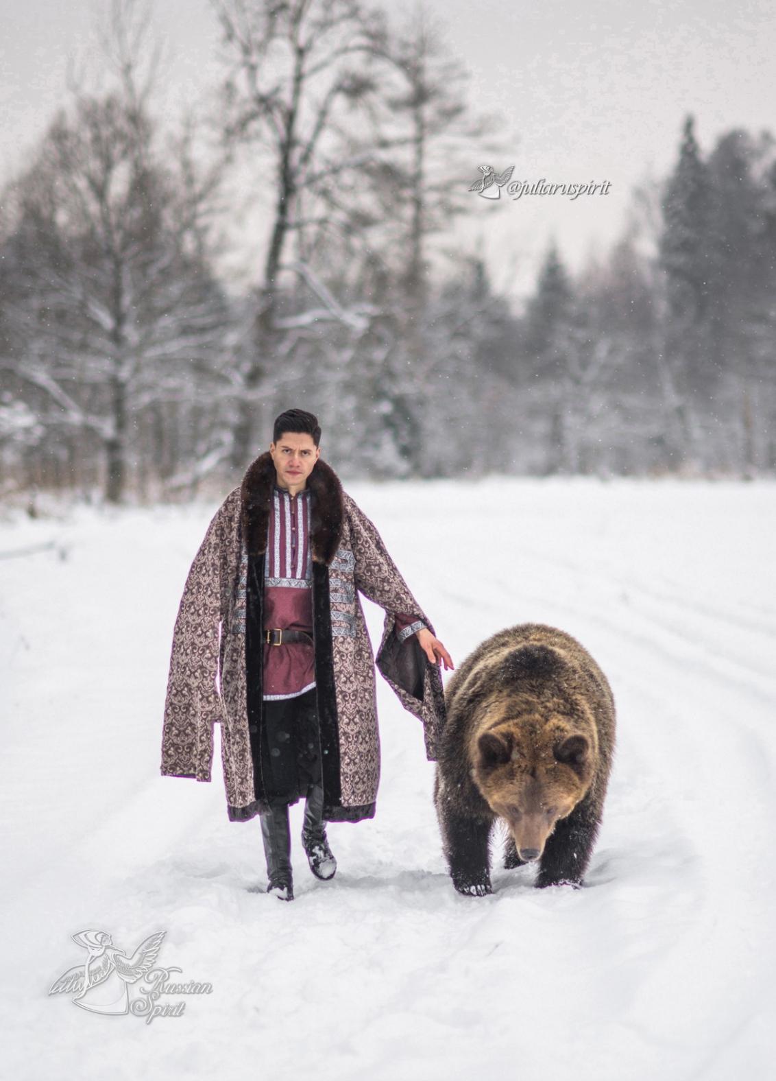 Фотосессия с медведем Томом - костюм боярская шуба
