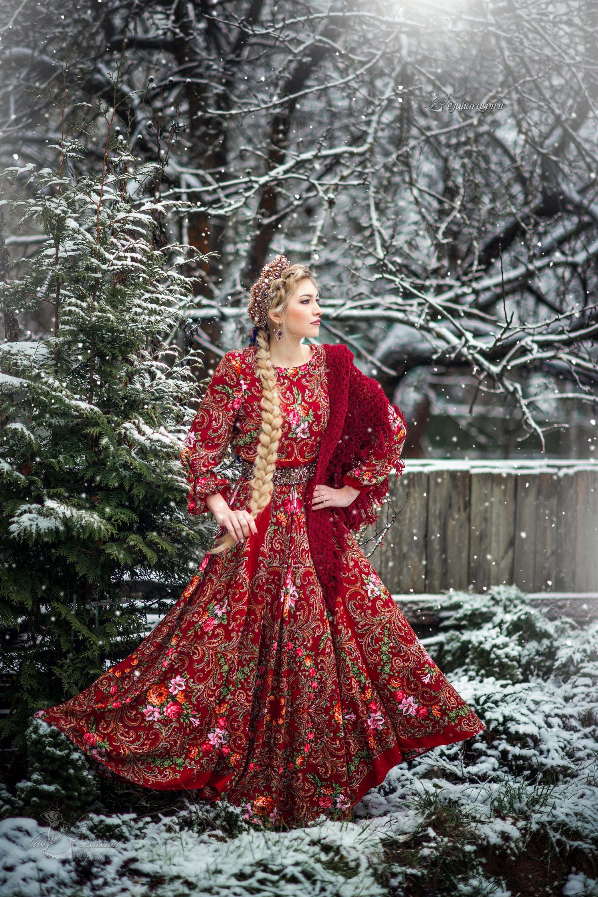 Фотосесия в русском стиле -девушка с косой
