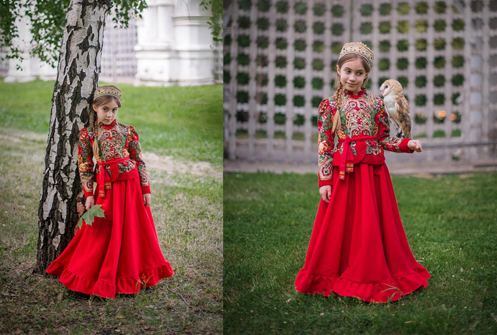 Девочка в платье в русском стиле с совой