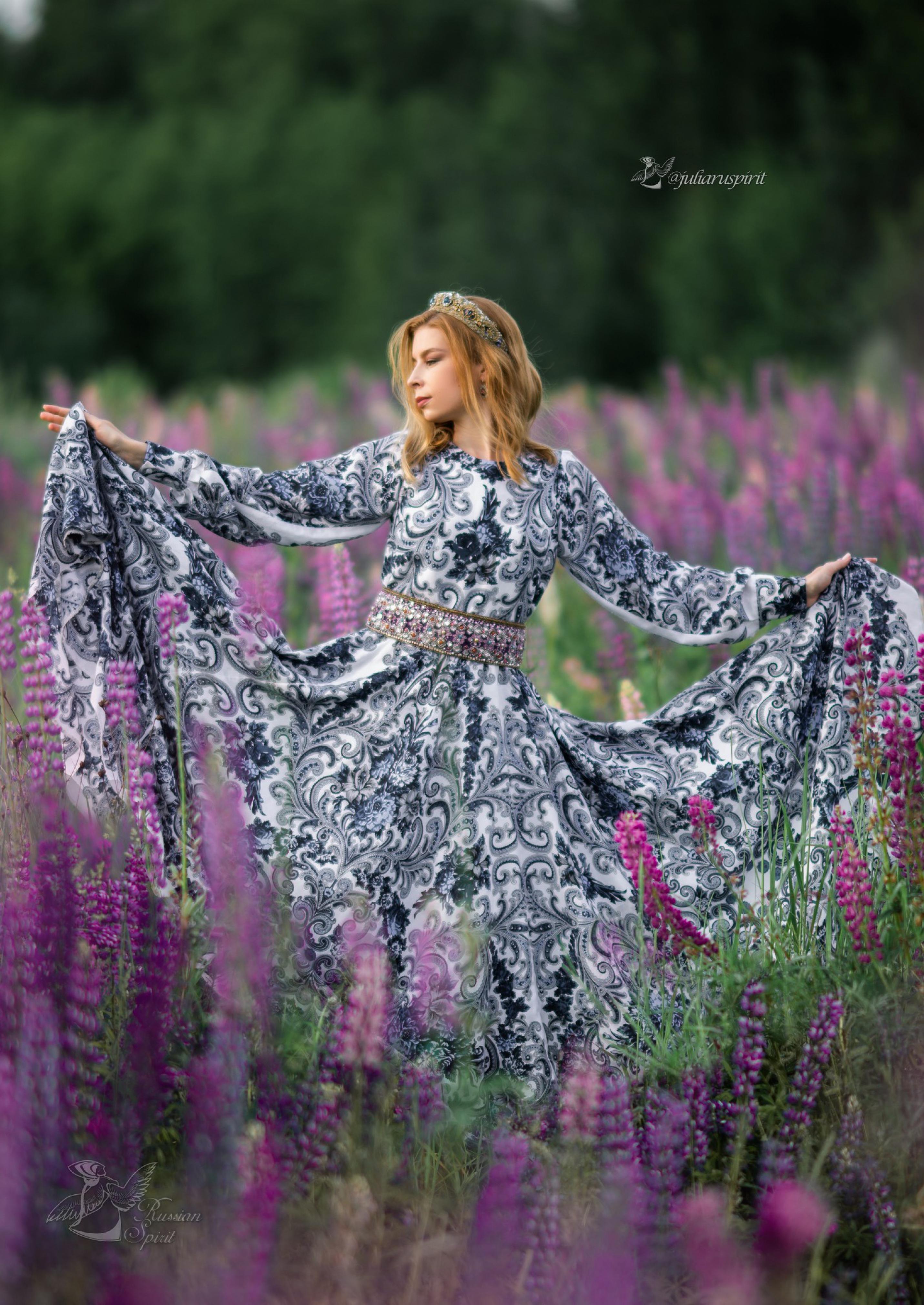 Фотосессия в поле - платье Гжель