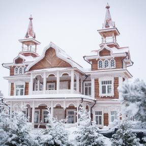 Fairytale house in Skhodnya